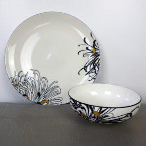 Dandy Monsoon Chrysanthemum dish set