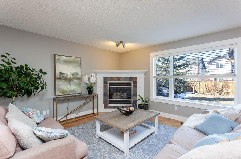 Corner Fireplace in Cougar Ridge: Occupied Stage and Accessory Rental